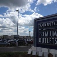 Toronto Premium Outlets - Outlet Mall in Halton Hills