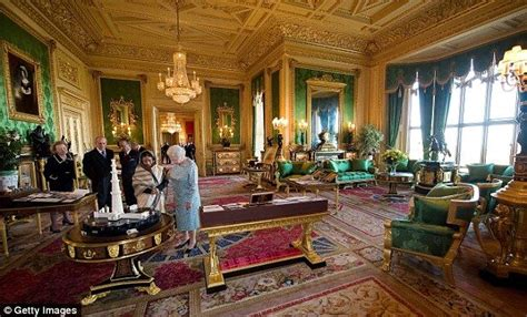 Images of Windsor Castle Interior | The Queen shows India