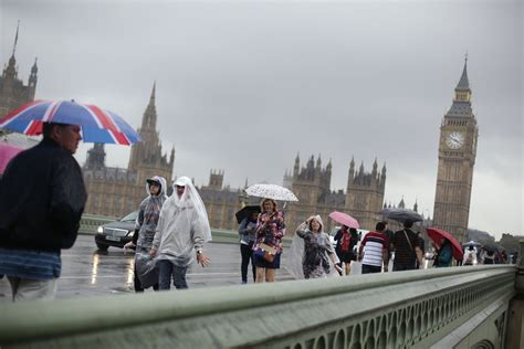London weather: Commuters set for soaking as torrential