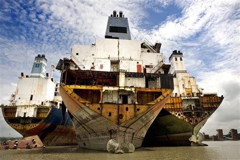 Monitoring The Problems Of Shipbreaking In Bangladesh