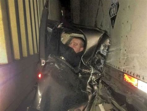I-84 pileup in Oregon: Driver somehow walks away after