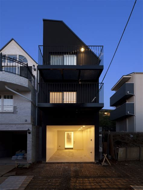 House Contrast / Key Operation | ArchDaily